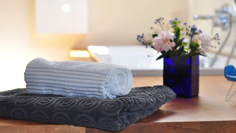decoración baño toallas